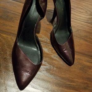 Ann Taylor asymetrical heels SZ9